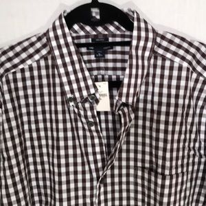 NWT GAP no iron button down, brown and whi…
